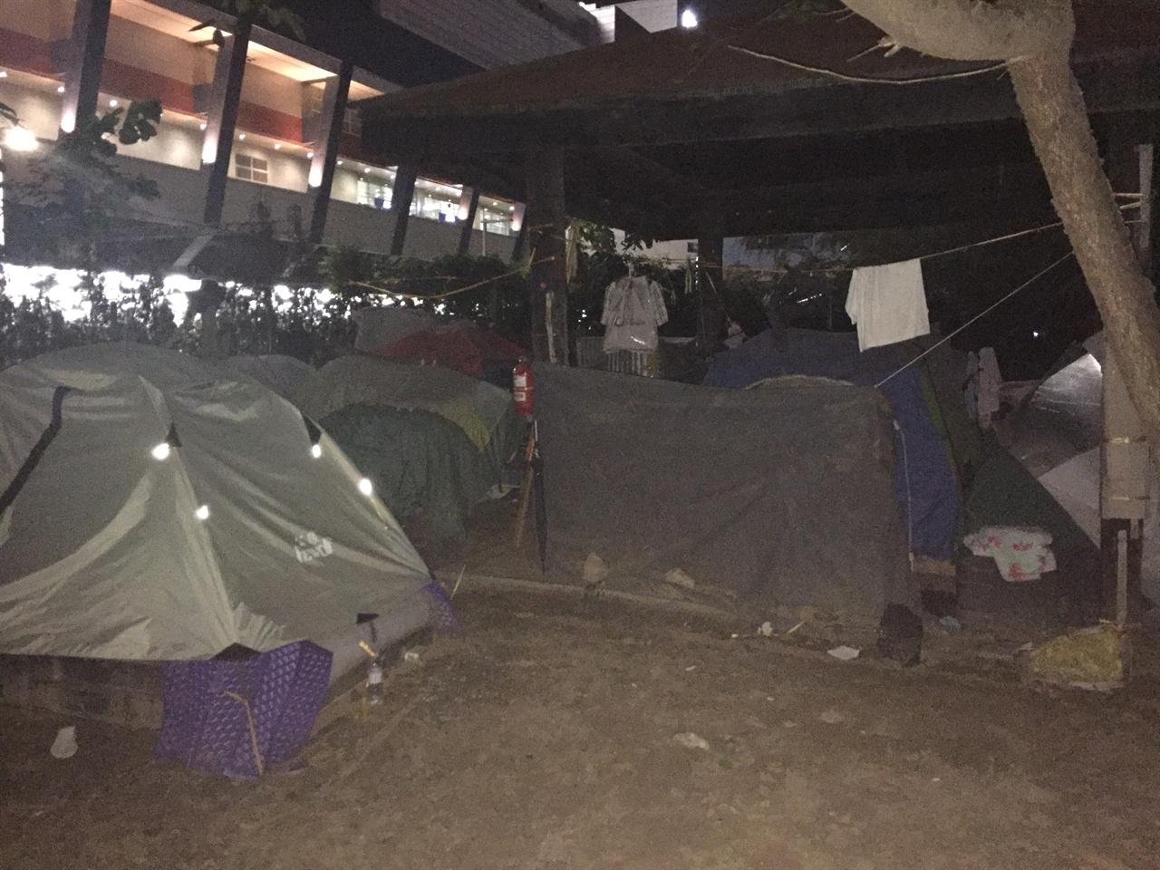용산역 텐트촌 그곳에도 사람이 살고 있다.