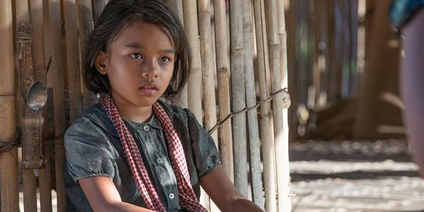 영화 <  First They Killed My Father: A Daughter of Cambodia Remembers >의 한 장면
