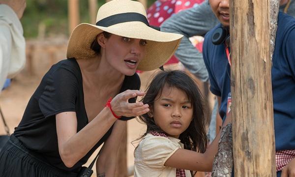영화 < First They Killed My Father: A Daughter of Cambodia Remembers >의 촬영 장면