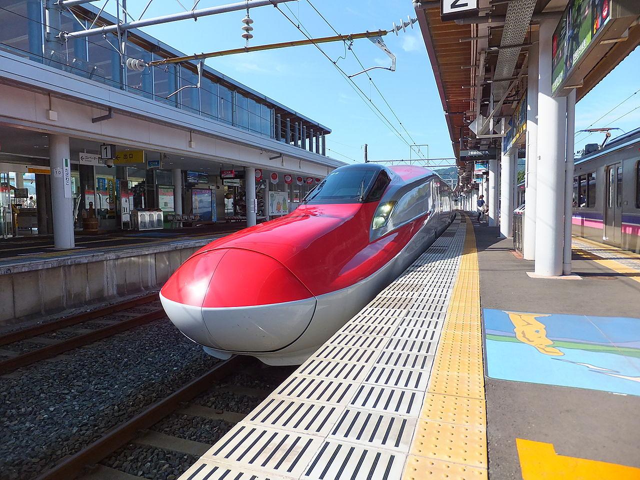 아키타 역의 고마치호 4시간여의 여행을 마치고 도착한 아키타 역의 고마치호