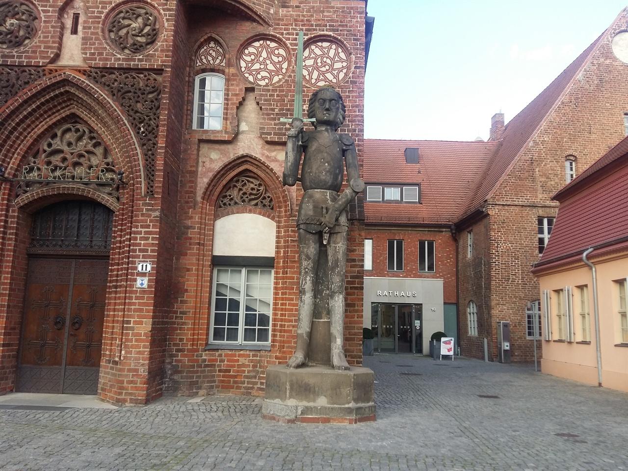 브란텐부르크 도심의 교회 부란덴부르크에는 오래된 교회와 고성의 흔적이 많다.