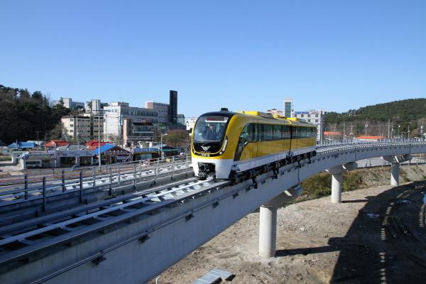 인천교통공사 해외시장 진출 '인천국제공항 도시형 자기부상열차'는 인천시에서 191억 원의 예산을 투자한 사업이다. 하지만, 현재 운영권은 물론 운행권조차 보유하지 못하고 있어 이에 대한 시 차원의 대책이 필요하다는 지적이다.