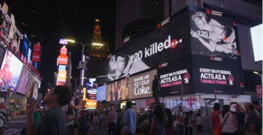 미국 뉴욕 타임스퀘어 군함도 광고 군함도 관련 영상 광고에 등장하는 광부가 군함도에 강제 징용된 조선인이 아니라 일본인이라는 것이 밝혀졌다.