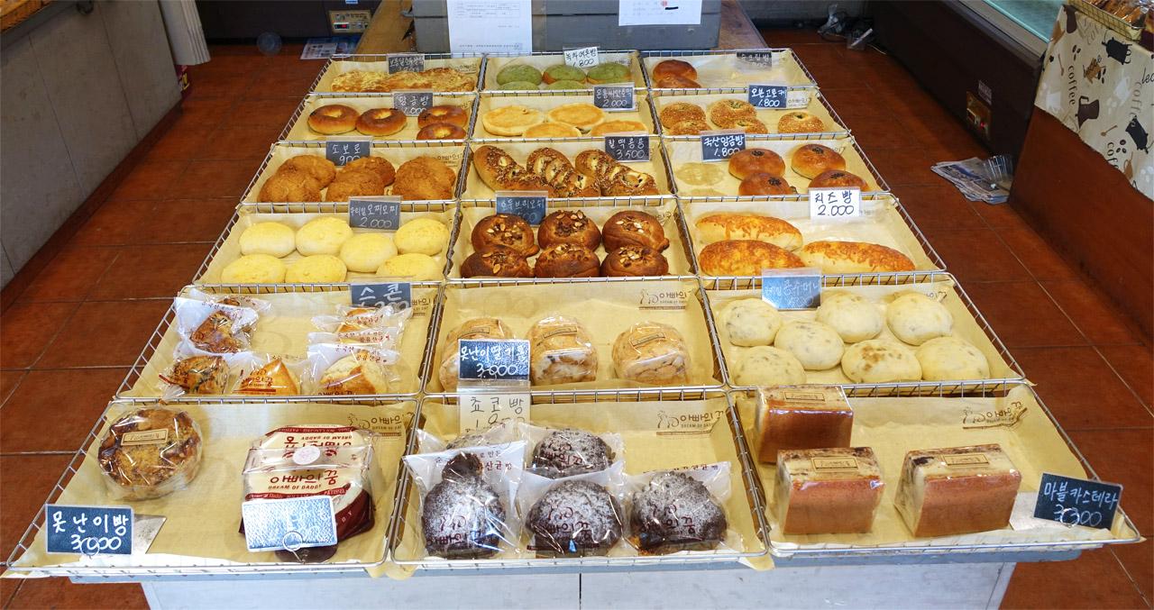 친숙한 빵들이 많은 곳이다.