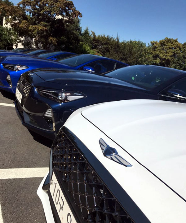 G70은 출시 전부터 독일 고급차 브랜드 BMW3 시리즈, 벤츠 C클래스를 경쟁 상대로 지목했다.