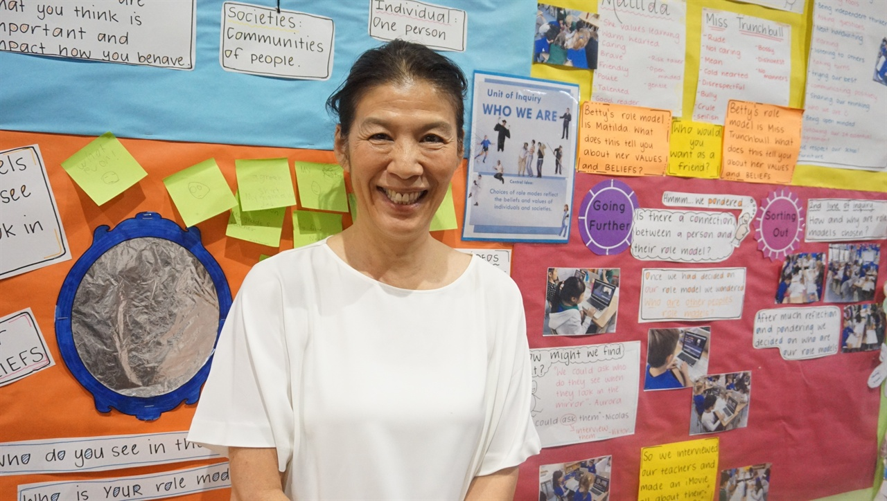 """""""한국에서 필요하면 도와 드리겠습니다"""" 츠보야 IB 대사는 """"한국 교육이 혁신하는 데 보탬이 된다면 성심껏 도와 주겠다고 밝혔다."""