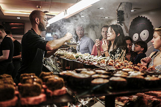 스페인 여행의 즐거움은 맛있는 음식을 맛보는 것