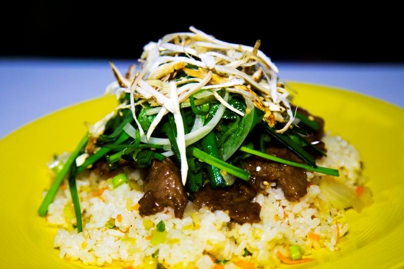 송이버섯은 음식의 품격을 높여주는 식재료다.