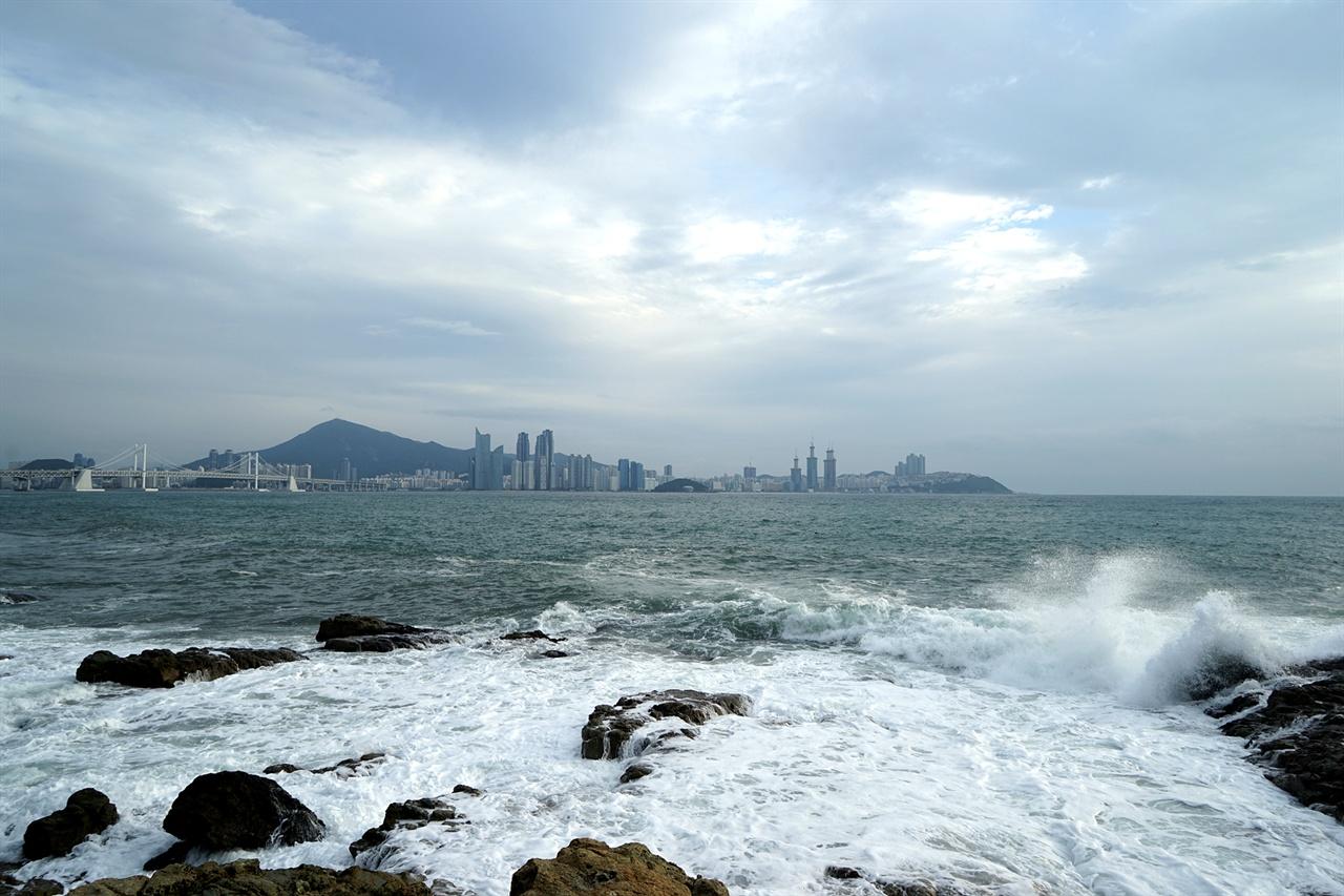 해파랑길과 광안대교, 해운대 풍경