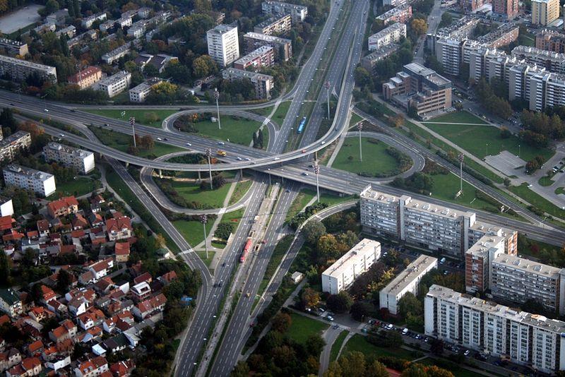 크로아티아의 한 고속도로 나들목. (CC-BY-3.0, Wikimedia Commons)