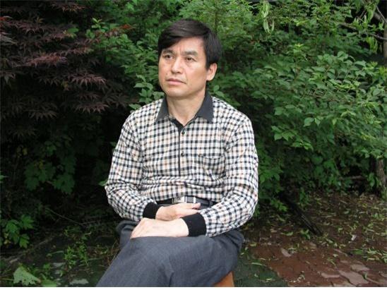 김명조 작가 김명조(71) 작가는 현직 법무사이기도 하다.