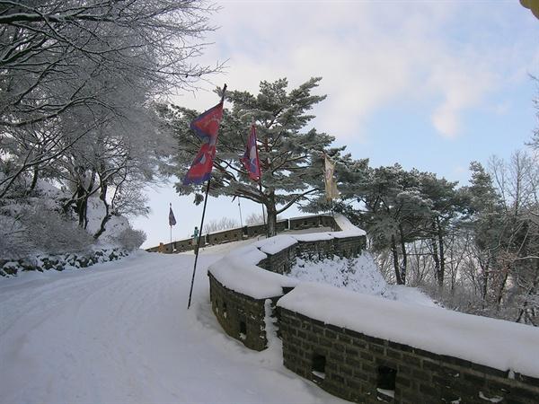 남한산성 성벽. 경기도 광주시 남한산성면 소재.