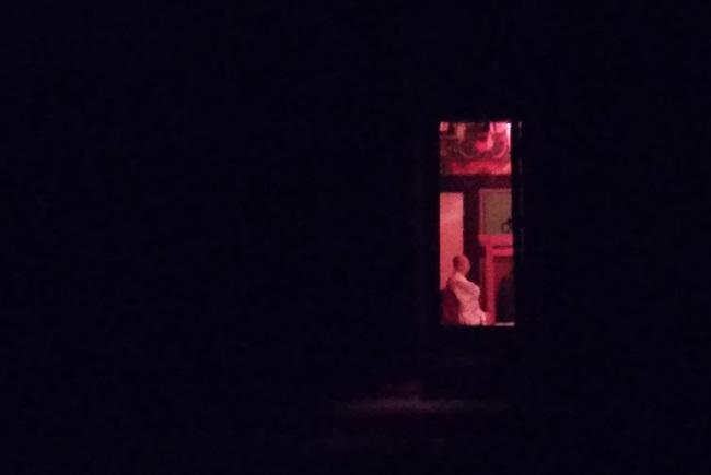 일지암, 법인 스님 홀로 새벽예불 중입니다.
