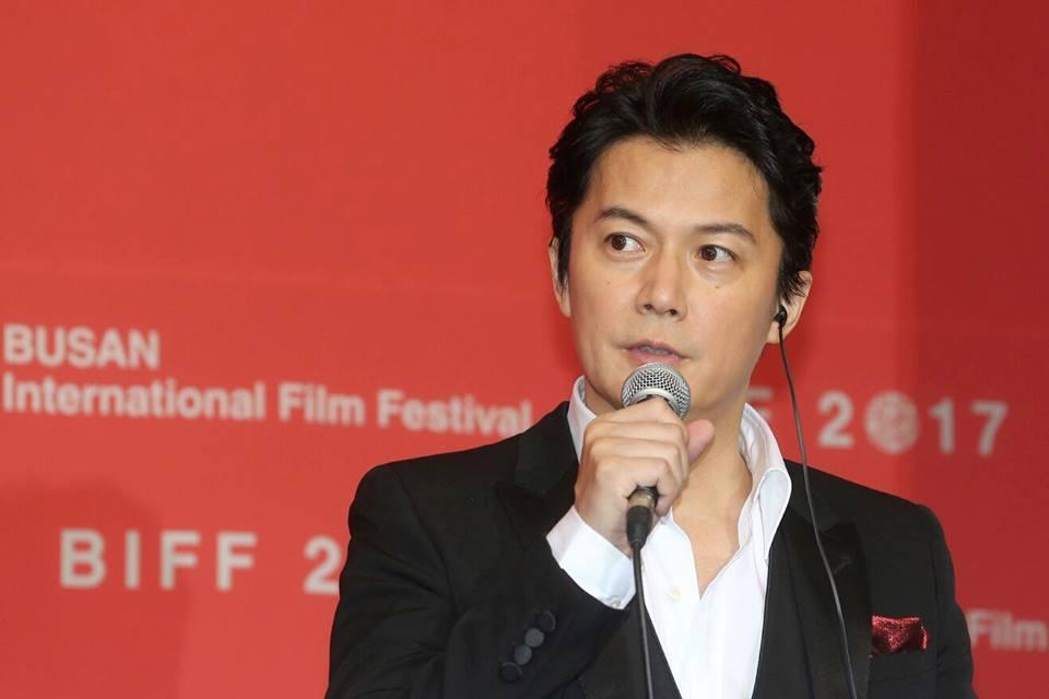 지난 19일 부산 영화의전당 두레라움홀에서 열린 <세 번째 살인> 기자회견에서 참석, 발언하고 하는 후쿠야마 마사하루