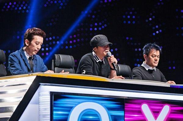 올해 인기리에 막을 내린 SBS < K팝스타 >의 한 장면. 일부 실용음악 전공 참가자들은 때론 박진영, 유희열 심사위원의 독설을 피해가지 못했다.