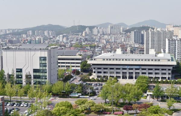 유정복 인천시장, '2018년도 예산안' 시정연설 인천시는 '2018년도 예산'으로 9조 271억 원을 편성했다.