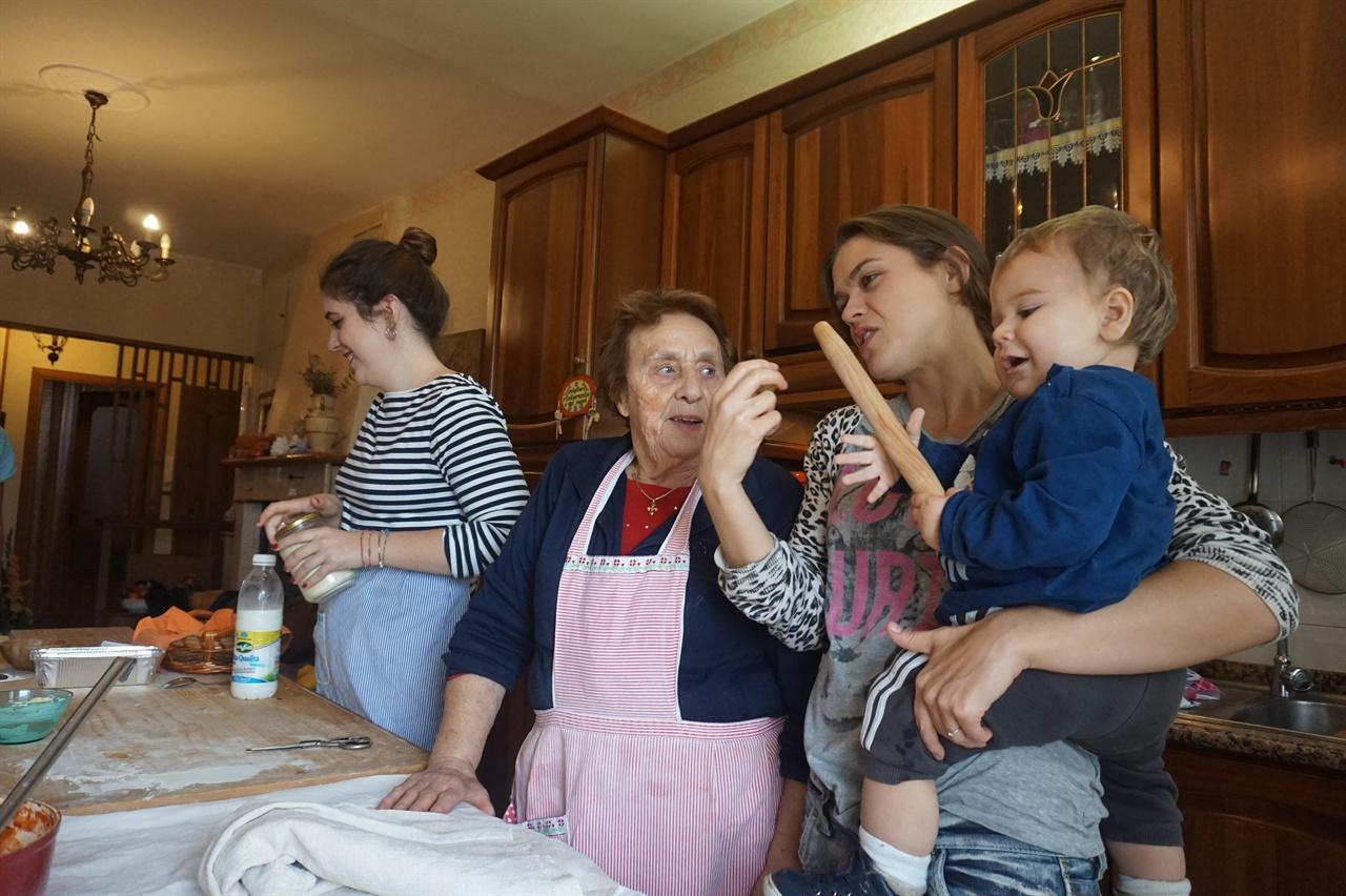 레리나 할머니와 가족들