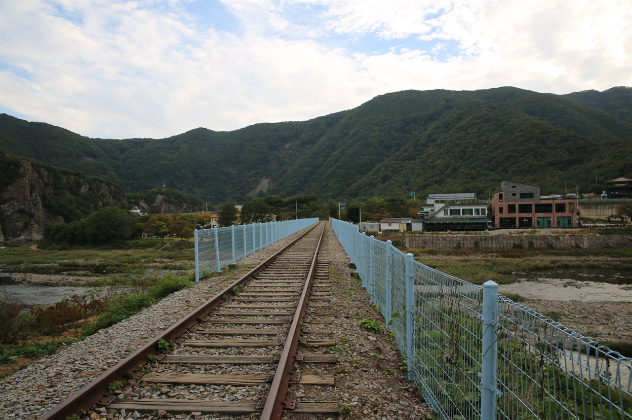 철로 폐철로
