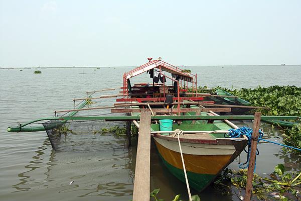 란다얀 지역 인근에는 필리핀에서 가장 큰 베이(Bay)호수가 있어 우기가 되면 상습침수 지역이 된다.