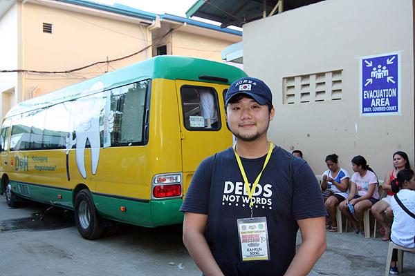 필리핀거주 5년차로 마닐라공항 인근에서 항공정비를 실습 중인 송가현씨 모습. 현지 지리를 잘 모르는 필자를 안내했다.