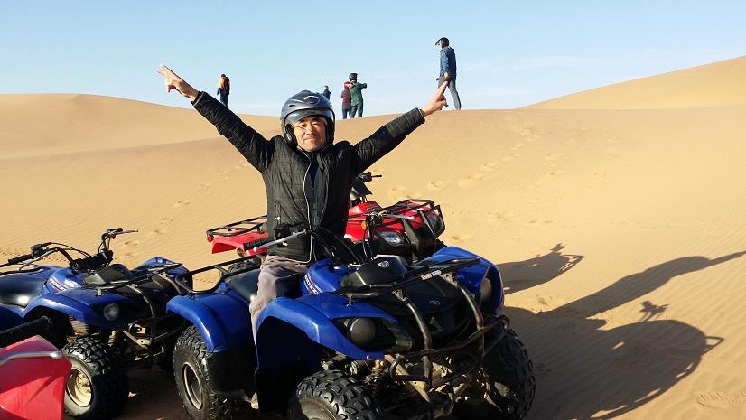 스와코프문트에서 즐기는 쿠드바이클링 4륜 바이크를 타고 사막을 질주하는 여행은 상상만 하여도 즐겁지 않은가?