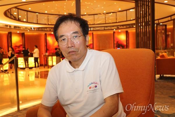호찌민시의 한 호텔에서 인터뷰하고 있는 이동우 경주세계문화엑스포 사무총장.