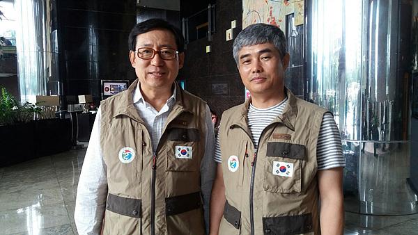 (사)여수지구촌사랑나눔회 초창기 멤버인 강병석원장(왼쪽)과 심병수원장 모습. 어려운 이들을 위해 헌신하는 모습이 아름다운 사람들이다