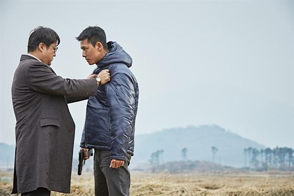 영화 <강철비>의 한 장면.