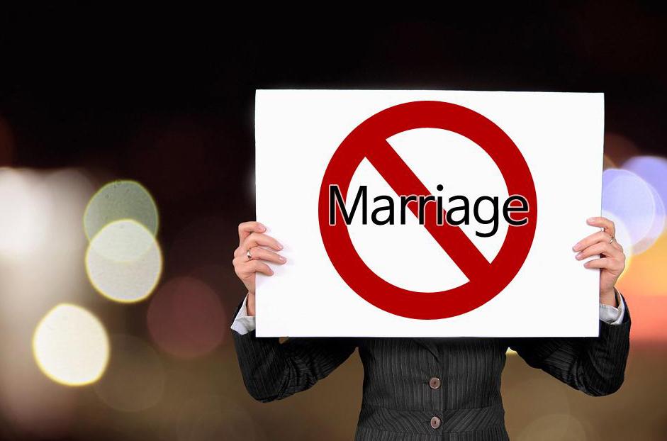 그 당시에는 그 친구에게 왜 비혼을 결심했는지 물어본 적도 없다. 하지만 세월이 흐르고 나니 그 결정이 이해가 간다.