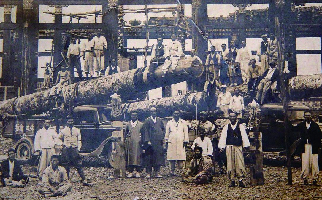 정읍에 있던 보천교 본소 중심건물인 십일전은 일제에 의해 강제 경매.해체되어 조계종 조계사 대웅전 건설재료로 사용되었다. 사진은 1938년 경 사진으로 십일전 기둥으로 조계사 대웅전을 짓는 모습이다.