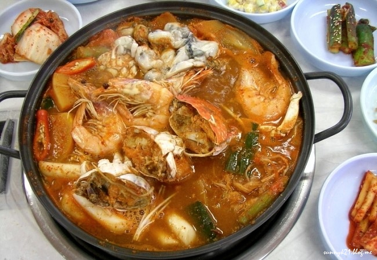 태안의 향토음식 '게국지', 꽃게로 담근 김치가 들어간다.