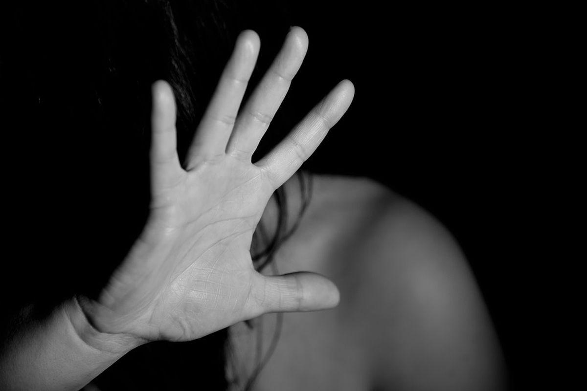 성범죄 혐의자들이 '증거불충분'으로 풀려나는 사례를 보면, 납득하기 어려운 경우가 많다.