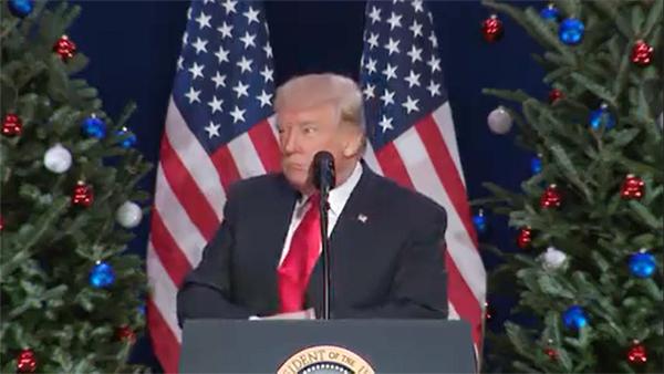 29일(현지시각) 세인트 찰스 컨벤션센터에서 연설하는 도널드 트럼프 미국 대통령