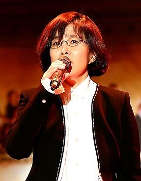가수 이선희 가수 이선희씨가 노래공연을 했다.