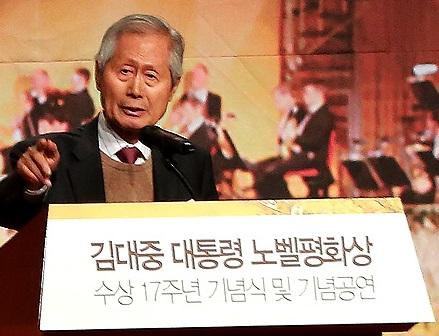 김영희 대기자 김영히 <중앙일보>대기자가 특별강연을 하고 있다.