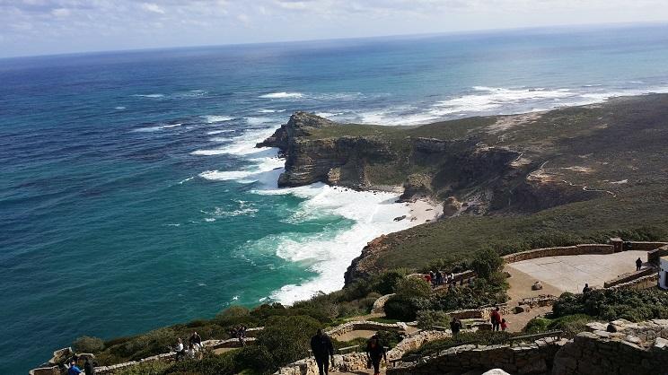 아프리카의 땅끝이라는 '희망봉' 사실상 아프리카의 땅끝은 이곳이 아니고 '아굴라스 곶'이라 하는데, 워낙 역사적으로 유명한 곳이라서 그렇게 불리고 있다.