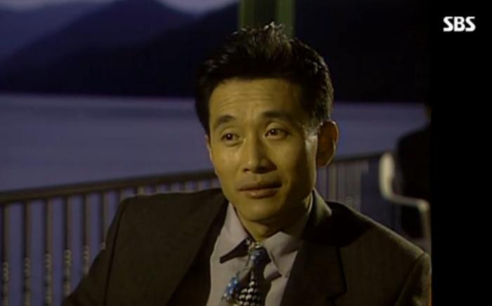 SBS 드라마 모래시계에서 정성모는 여운환을 묘사했다.