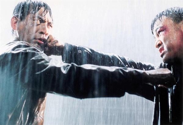 한국 액션 영화 최고의 명장면으로 꼽히기도 하는 안성기와 박중훈의 결투씬