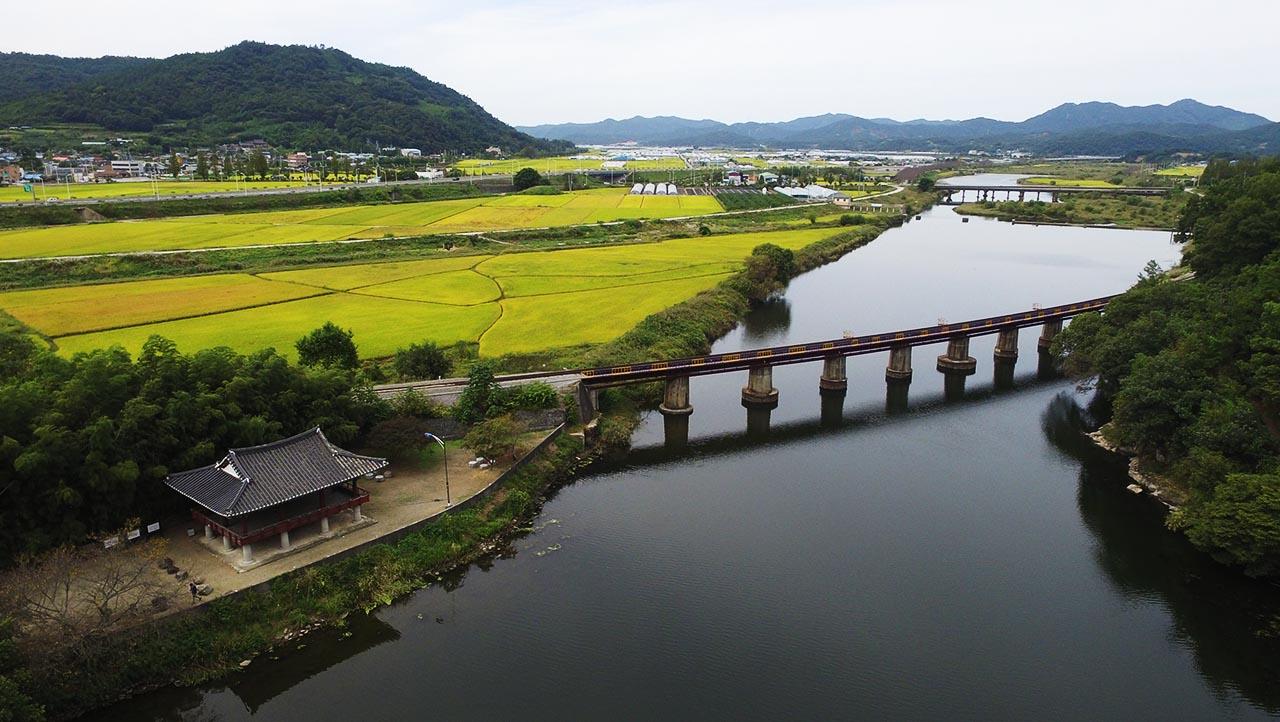 지석강에 비친 풍경의 그림자를 볼 수 있다는 자태 아름다운 정자, 영벽정(映碧亭).