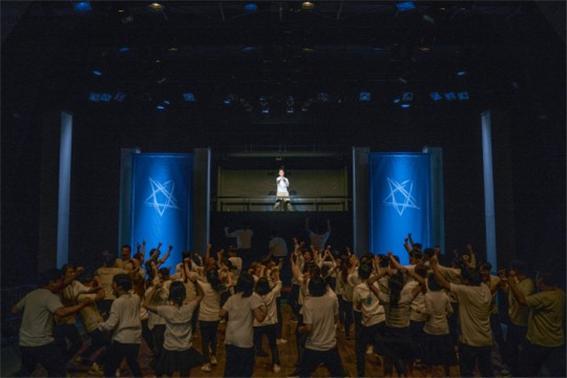 파란나라 <파란나라>는 한국연극협회가 선정한 '2017 공연 베스트 7'에 뽑히는 성과를 올렸으며, 문화예술계를 비롯해 교육계에서도 꼭 눈여겨볼 연극으로 선정했다.