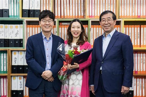 근로자이사제 지난해 4월 서울문화재단은 전국 문화예술기관 최초로 근로자이사를 임명하여 문화예술생태계를 조성하는 의사 결정에 직원들의 목소리가 반영될 수 있도록 했다.