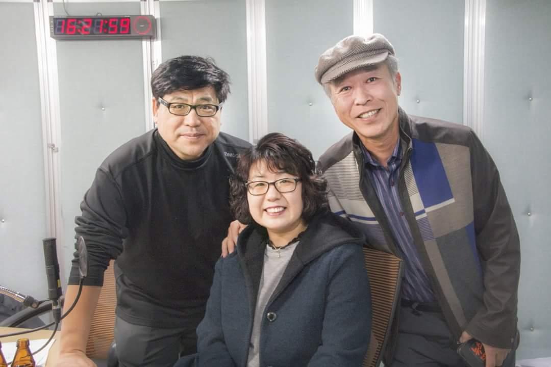 박철, 최옥자 부부와 함께 팟캐 고상만의 수사반장 녹음후 기념사진