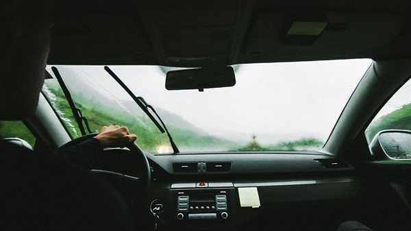 대리운전노동자들은 열악한 환경 속에 오늘도 고객의 귀가 길을 책임지고 있다.