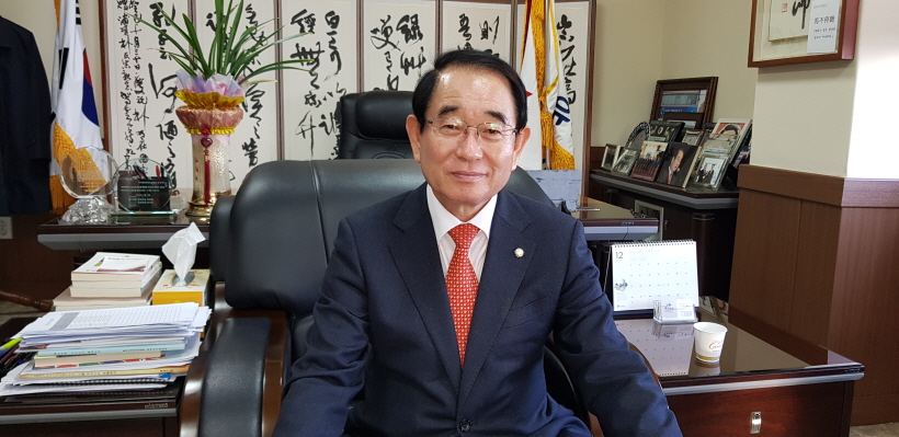 박명재 국회의원 박명재 의원이 본보와 단독 인터뷰를 하고 있다