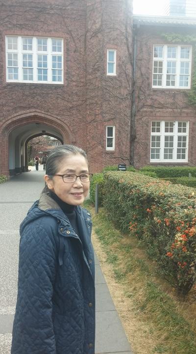 1942년 윤동주 시인이 유학왔던 릿쿄대학 캠퍼스. 그 때와 변한 것은 크게 자란 나무뿐이었다. 야나기하라 야스코 씨의 안내로 윤동주 시인의 발자취를 좇을 수 있었다.