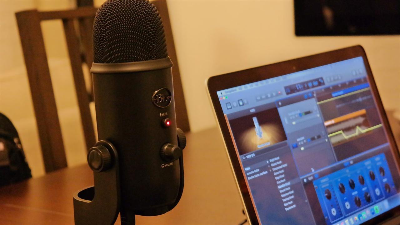 두바IN이 작업하는 방송장비와 스튜디오