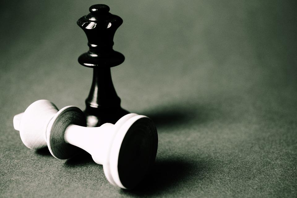 반복되는 게임이라면, 죄수의 딜레마는 전혀 딜레마가 되지 않는다. 협력하는 것이 모두에게 이득이 된다.