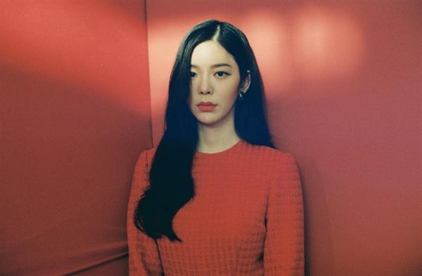 장재인 가수 장재인이 싱글 'BUTTON(버튼)' 발매를 기념해 지난 11일 오전 서울 한남동 미스틱 엔터테인먼트에서 인터뷰를 열었다.