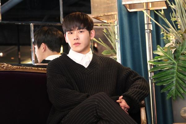 이호원 뮤지컬 <모래시계>에서 재희 역을 맡은 가수 겸 탤런트 이호원이 지난 9일 오후 서울 강남구의 한 카페에서 인터뷰를 열었다.