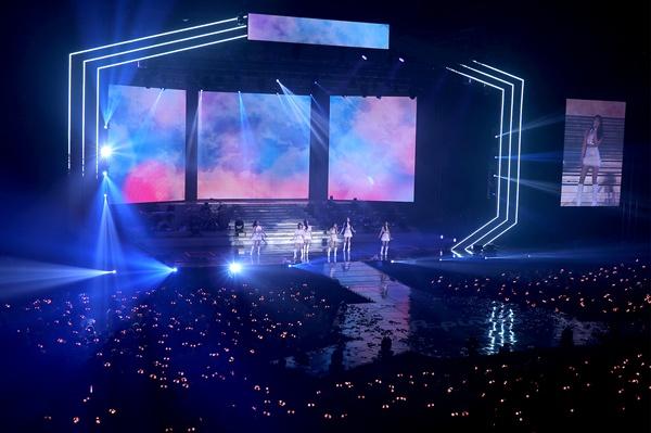 에이핑크 에이핑크가 12일 오후 서울 올림픽공원 SK핸드볼경기장에서 네 번째 단독콘서트 <핑크 스페이스 2018>을 열었다.